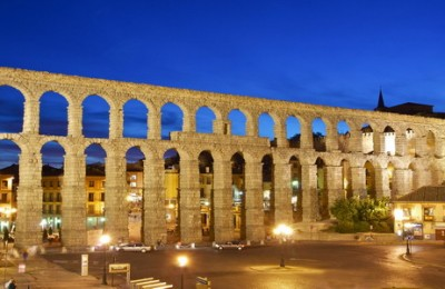 Wonderfully conserved Roman aqueduct in the city of Segovia
