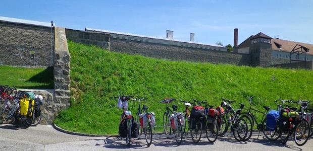 Bravo Bike Salzburg to Vienna self guided bike tour – Salzburg Tourist Map Pdf