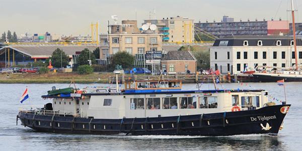 Ship Tijdgeest Amsterdam-Brugge bike and boat