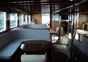 Halis Temel grecia salon barco bici tour