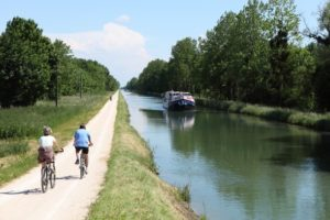 caprice canal boat bike france