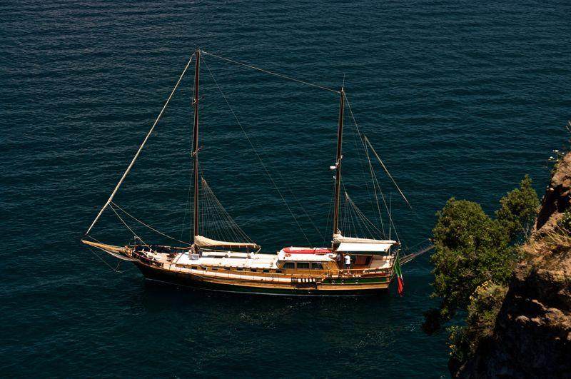 Caicco Maria Giovanna italy bike boat cruise