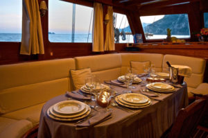 deiya deniz naples amalfi salon italy