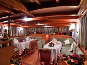 maria giovanna italy diner salon amalfi cruise