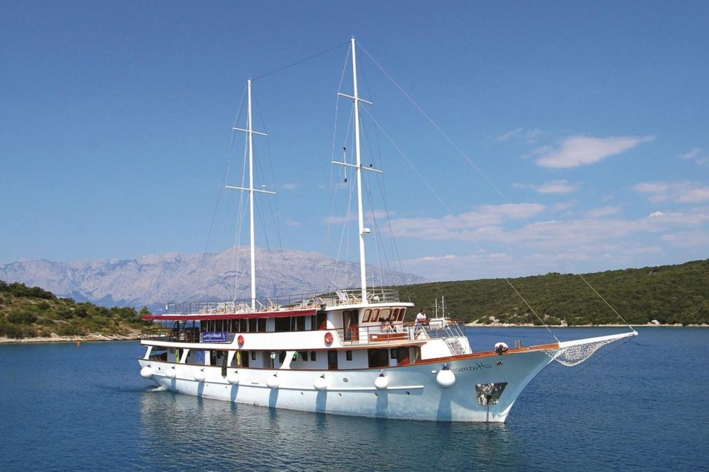 croatia harmonia ship split dubrovnik tour cycle