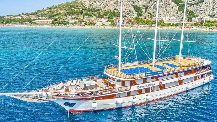 Princeza Diana croatia bike boat tour