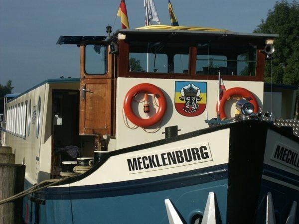 Ship_Mecklenburg_boat_bike_tour_Brussels