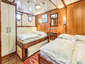 sundeck bahriyeli bike cruise boat yacht