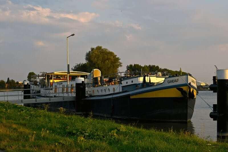 Amsterdam-Bruges Bravobike boat and bike tour